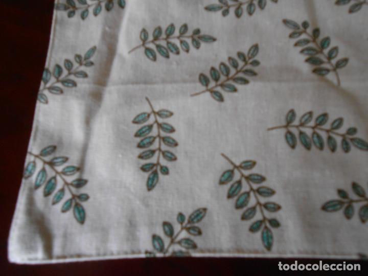 Antigüedades: Juego completo para la mesa. Lino estampado,hojas verdes. 6 piezas.Stock viejo años 80 - Foto 24 - 253730150