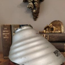 Antigüedades: ANTIGUA PANTALLA MODERNISTA DE CRISTAL AL MERCURIO MIREX. Lote 253857835
