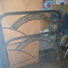 Antigüedades: CABEZAL CAMA METAL. Lote 253886820