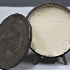 Antigüedades: ANTIGUO PORTAVIATICO CON OSTIA EN INTERIOR. Lote 253914315
