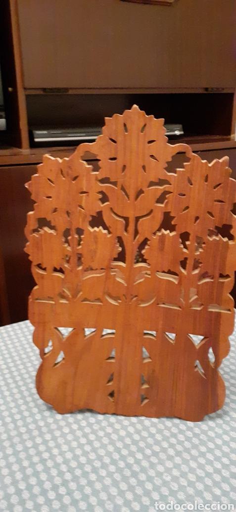 Antigüedades: Mensula o repisa tallada en madera, Made in India, plegable, 38 x 25 cm - Foto 7 - 253919105