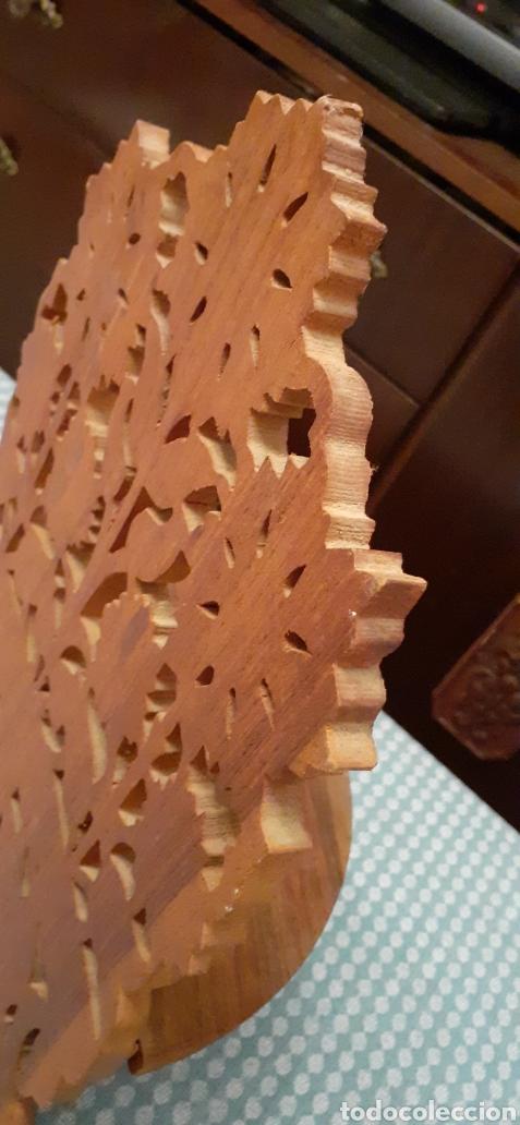 Antigüedades: Mensula o repisa tallada en madera, Made in India, plegable, 38 x 25 cm - Foto 8 - 253919105