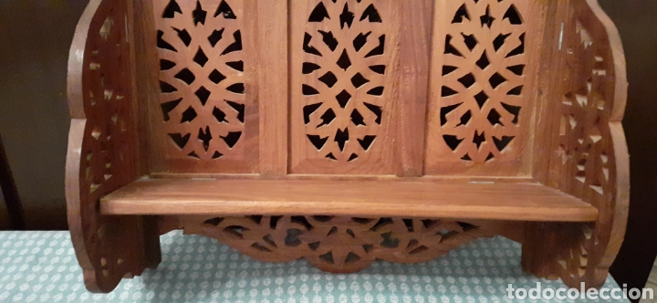Antigüedades: Mueble Repisa tallada en madera, de la India es plegable, 40x38x15 cm de fondo - Foto 5 - 253920615
