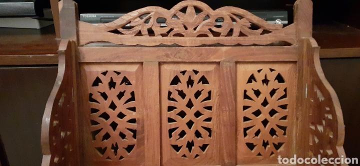 Antigüedades: Mueble Repisa tallada en madera, de la India es plegable, 40x38x15 cm de fondo - Foto 6 - 253920615
