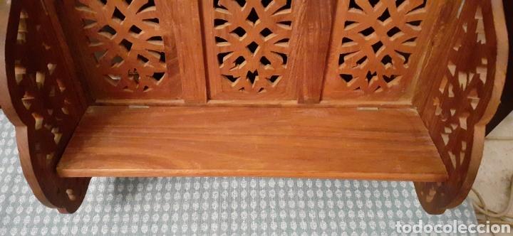 Antigüedades: Mueble Repisa tallada en madera, de la India es plegable, 40x38x15 cm de fondo - Foto 11 - 253920615