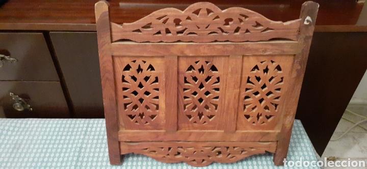 Antigüedades: Mueble Repisa tallada en madera, de la India es plegable, 40x38x15 cm de fondo - Foto 13 - 253920615