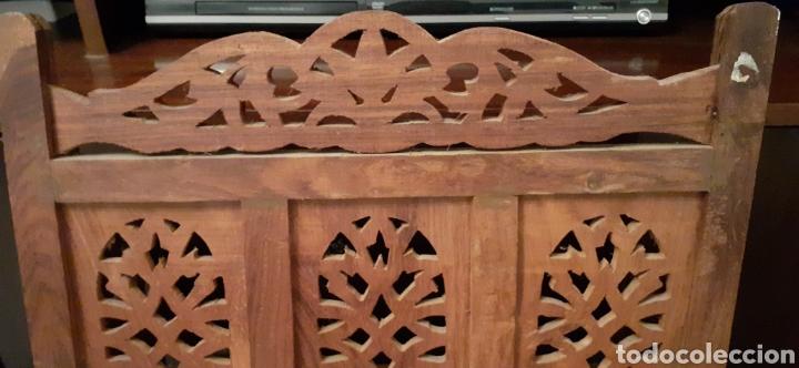 Antigüedades: Mueble Repisa tallada en madera, de la India es plegable, 40x38x15 cm de fondo - Foto 14 - 253920615