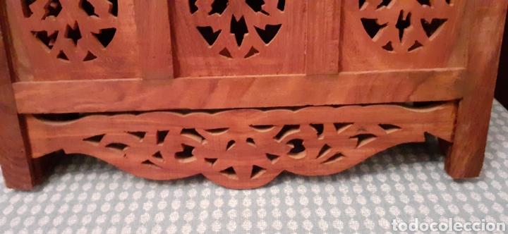 Antigüedades: Mueble Repisa tallada en madera, de la India es plegable, 40x38x15 cm de fondo - Foto 16 - 253920615