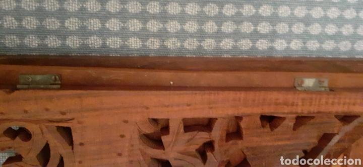 Antigüedades: Mueble Repisa tallada en madera, de la India es plegable, 40x38x15 cm de fondo - Foto 19 - 253920615