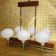 Antigüedades: ELEGANTISIMA LAMPARA MIDCENTURY EN TEKA LATON Y TULIPAS OPALINAS. Lote 253929595