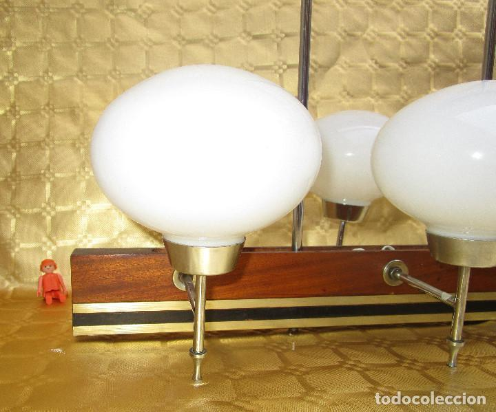 Antigüedades: ELEGANTISIMA LAMPARA MIDCENTURY EN TEKA LATON Y TULIPAS OPALINAS - Foto 4 - 253929595