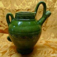 Antigüedades: BOTIJO VERDE DE CERAMICA VIDRIADA, HERMANOS ALMARZA UBEDA. Lote 253950415