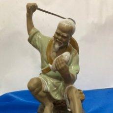 Antigüedades: FIGURA DE PORCELANA CHINA, AUTÉNTICA, AÑOS 70. Lote 254045100