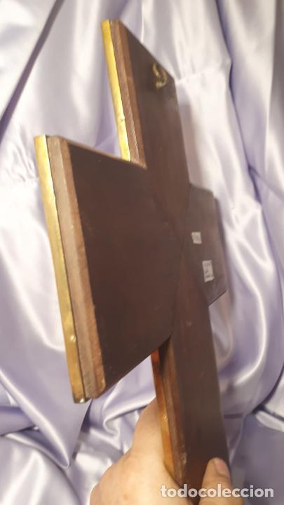 Antigüedades: Crucifijo y pila benditera. - Foto 16 - 254085970