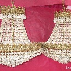 Antigüedades: BESTIAL PAREJA DE LAMPARAS IMPERIO CLASICAS DE SACO, BRONCE Y CRISTAL. Lote 254098135