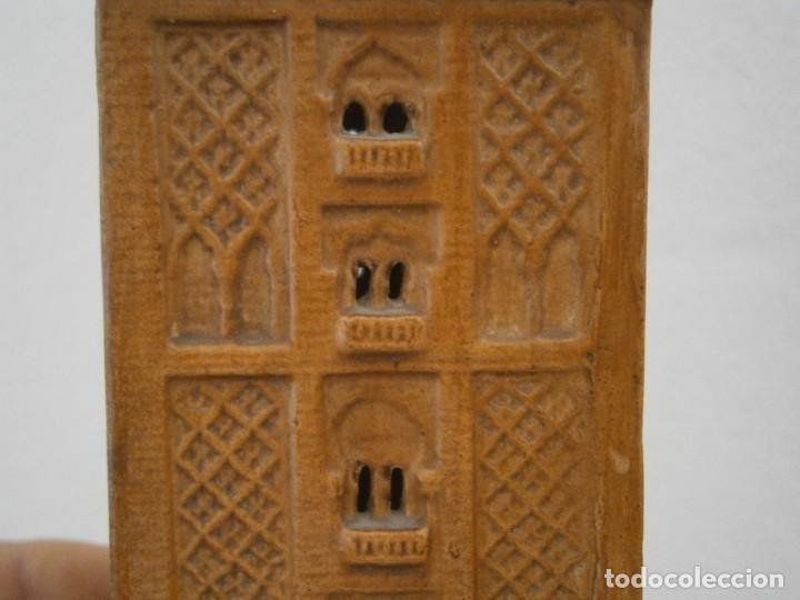 Antigüedades: PRECIOSA TORRE DE BARRO, PARA RESTAURAR. AÑOS 60/70 APROX. - Foto 7 - 254130485