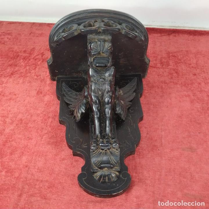 Antigüedades: PEANA DE PARED. MADERA TALLADA Y TEÑIDA. ESPAÑA. SIGLO XIX - Foto 5 - 254199230