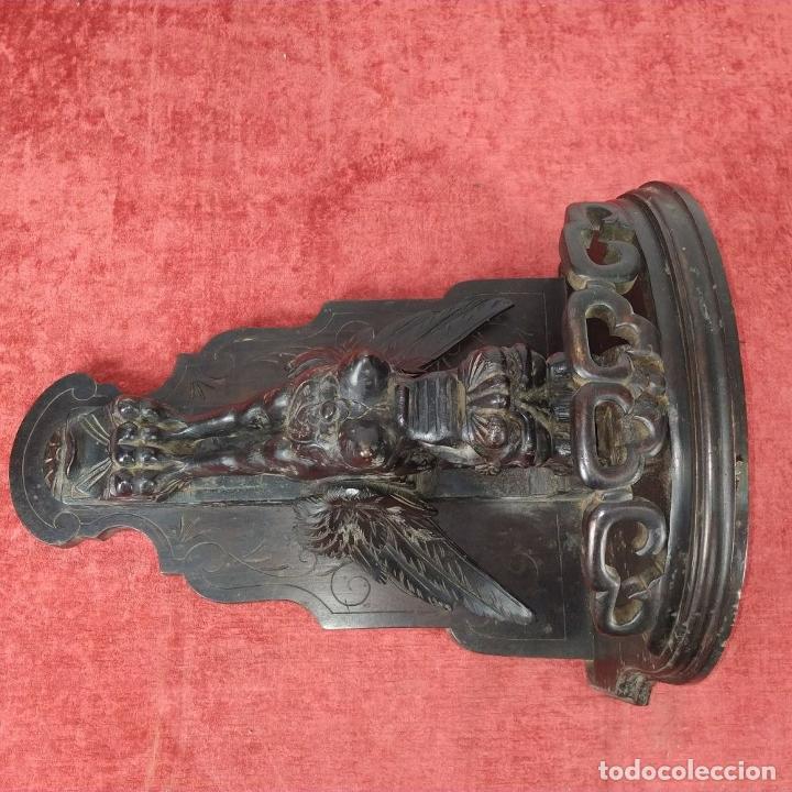 Antigüedades: PEANA DE PARED. MADERA TALLADA Y TEÑIDA. ESPAÑA. SIGLO XIX - Foto 6 - 254199230