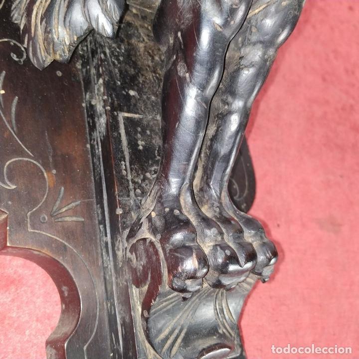 Antigüedades: PEANA DE PARED. MADERA TALLADA Y TEÑIDA. ESPAÑA. SIGLO XIX - Foto 8 - 254199230