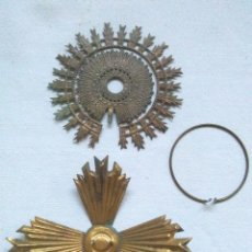 Antigüedades: ANTIGUAS CORONAS DE VIRGEN,SANTO Y NIÑO JESUS.CORONAS DE LATON. Lote 254201385
