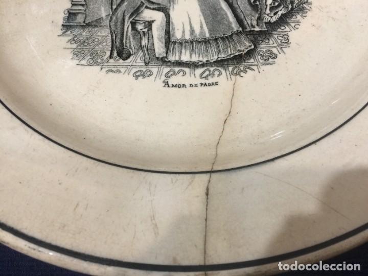 Antigüedades: Fuente con escena costumbista: Amor de Padre. Valarino. Cartagena. Diámetro: 27,5 ctms.Siglo XIX. - Foto 4 - 254226240