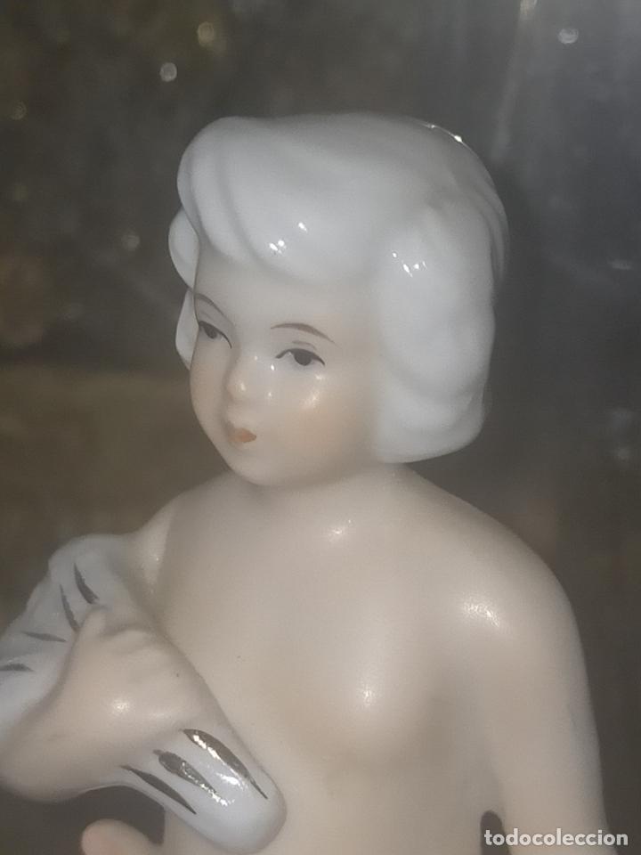 Antigüedades: pareja figuras niños porcelanas angelitos o similares para capilla virgen ceramica y filos oro 12 cm - Foto 8 - 254256940