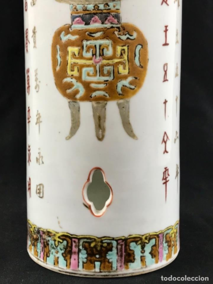 ANTIGUO SOMBRERERO EN PORCELANA CHINA PINTADO A MANO SG XIX (Antigüedades - Porcelanas y Cerámicas - China)