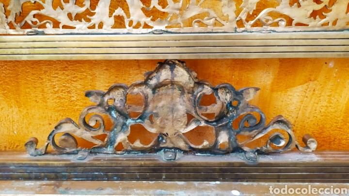 Antigüedades: Cama/Cabecero y Pie en Bronce, Metal y Latón. - Foto 10 - 254333680