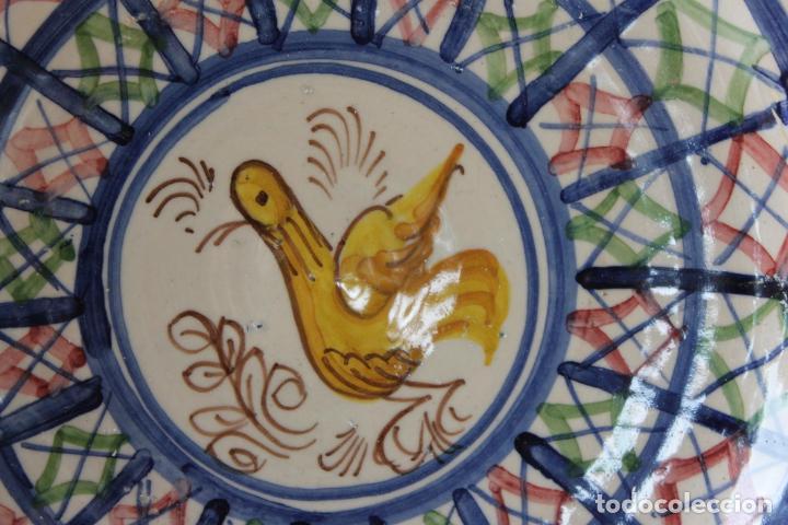 Antigüedades: PLATO FUENTE TALAVERA CON PAJARO, FIRMADO - Foto 4 - 254345315