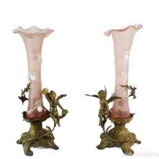 Antigüedades: PAREJA DE JARRONES CRISTAL A LA PINZA Y BRONCE. ÁNGELES. ART NOUVEAU PAIR OF VASES, GLASS BRONZE. Lote 241746285