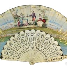 Antigüedades: MARAVILLOSO ABANICO S XIX, HUESO CON FINO CALADO, PIQUÉ DE PLATA, DETALLES AL ORO FINO.. Lote 171978693