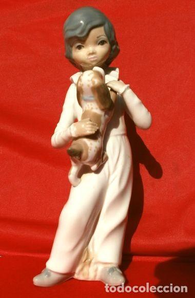 Antigüedades: Figura Niño con perro 22 cm - Porcelana Marca CASADES (estilo Lladro) - Foto 6 - 254425895