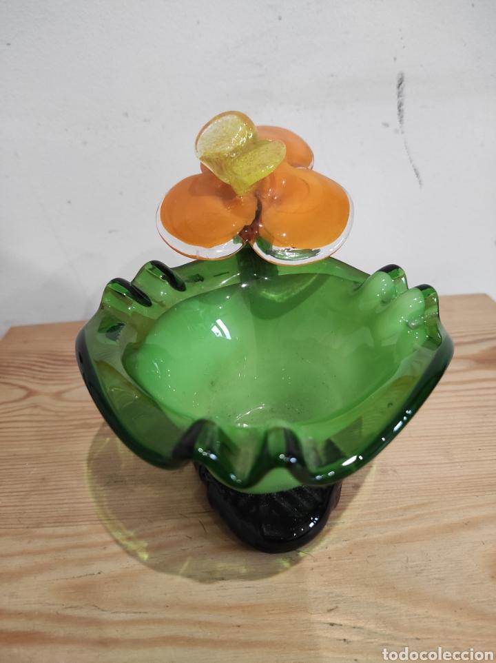 Antigüedades: Precioso cenicero en forma de flor, en cristal de Murano. - Foto 3 - 254433200