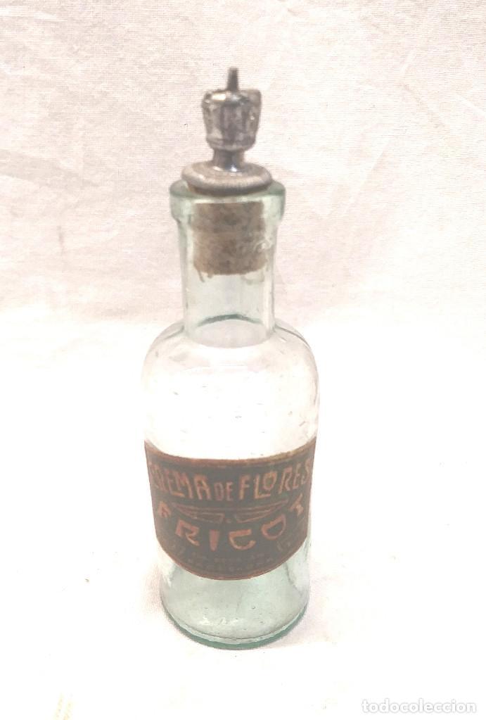 FRICOT PERFUME CREMA DE FLORES BARCELONA. MED. 10 CM (Antigüedades - Cristal y Vidrio - Farmacia )