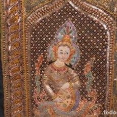 Antigüedades: ANTIGUO TAPIZ MATRIMONIO CON ELEFANTES DE INDIA - PIEDRAS - HILO DORADO - MIDE85 X 131. Lote 254544520