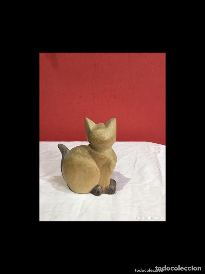 Antigüedades: Lote de 5 figuras antiguas gatos de madera pintados . Decoración antigua. Ver fotos - Foto 8 - 254549950
