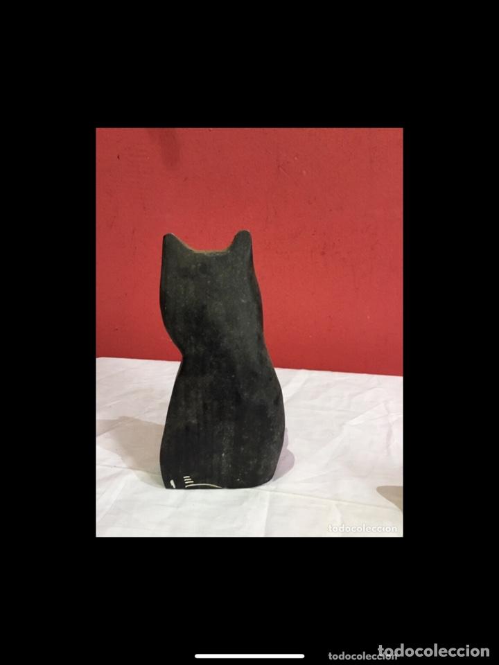 Antigüedades: Lote de 5 figuras antiguas gatos de madera pintados . Decoración antigua. Ver fotos - Foto 12 - 254549950