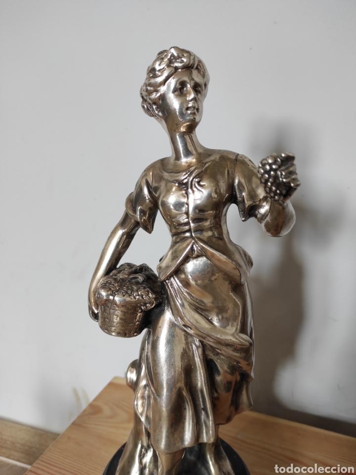 Antigüedades: Figura de dama bañada en plata, con base de mármol 34cm - Foto 2 - 254564320