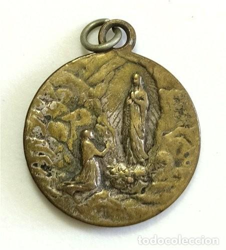 Antigüedades: Medalla religiosa de San Cristóbal y Virgen de Lourdes - Foto 2 - 254600010