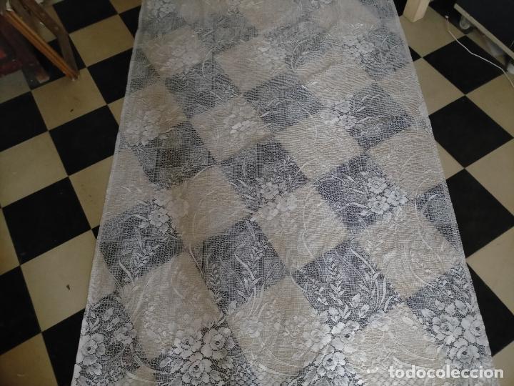 Antigüedades: GRAN ANTIGUA VINTAGE VISILLO ENCAJE CALADO 214X121 CORTINA PATA . BUEN ESTADO - Foto 4 - 254604975