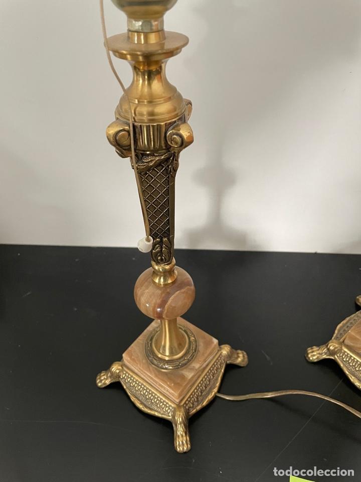 Antigüedades: PAREJA DE LAMPARAS DE MESA EN BRONCE Y MARMOL - Foto 2 - 254628930