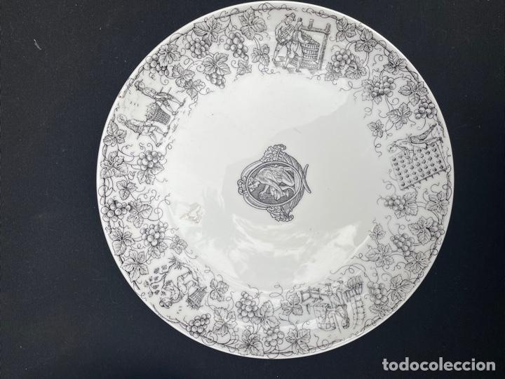 Antigüedades: CONJUNTO DE DOS PLATOS DE PORCELANA SANTA CLARA - Foto 2 - 254670420