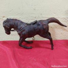 Antigüedades: CABALLO DE PIEL O CUERO (2390/21). Lote 254700110