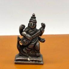 Antigüedades: FIGURA TALLADA EN PLATA :DIOSA SARASVATI BUDISMO,HINDU,TIBETANO.... Lote 254712805