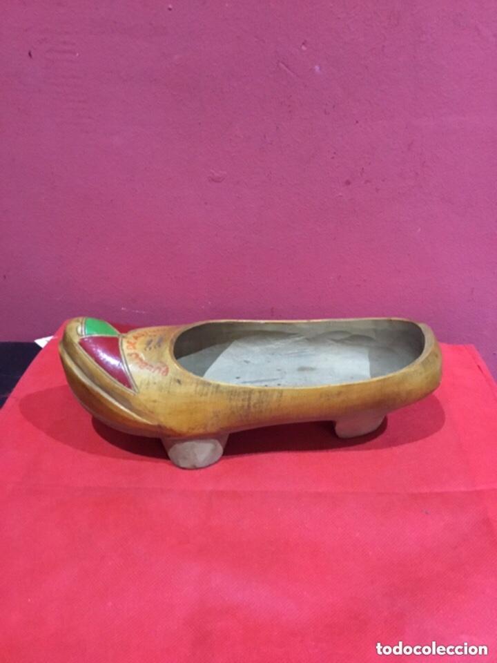 Antigüedades: Vintage Souvenir de Madera Zapatos asturianos- ver las medidas en fotos - Foto 8 - 254716155