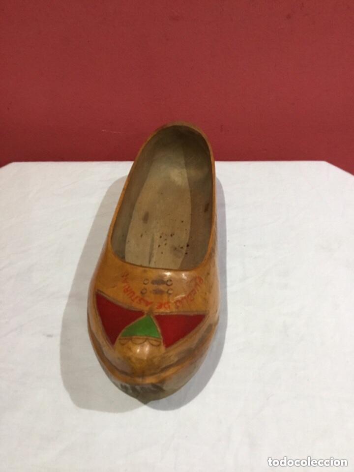 Antigüedades: Vintage Souvenir de Madera Zapatos asturianos- ver las medidas en fotos - Foto 12 - 254716155