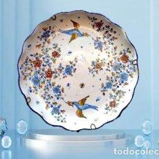 Antiquités: PLATO DE ALCORA SERIE CHINESCOS F.S. XVIII - REPRODUCCION ORIGINAL AÑOS 50. Lote 254752590