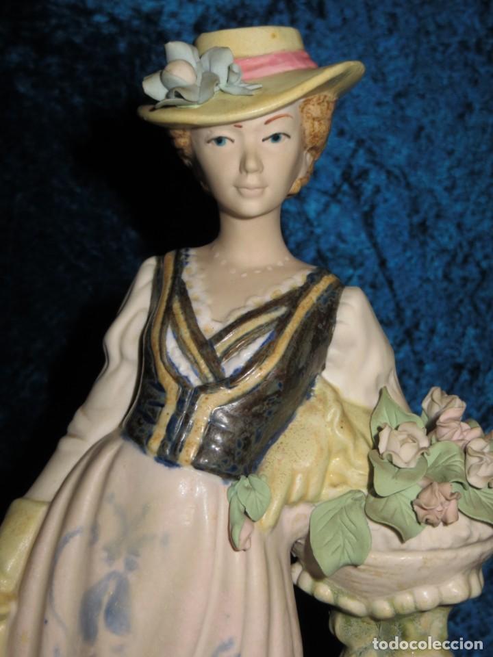 Antigüedades: Antigua figura cerámica Porcelana Artística Levantina mujer flores querubines 35 cm sello circa 1980 - Foto 8 - 254825780