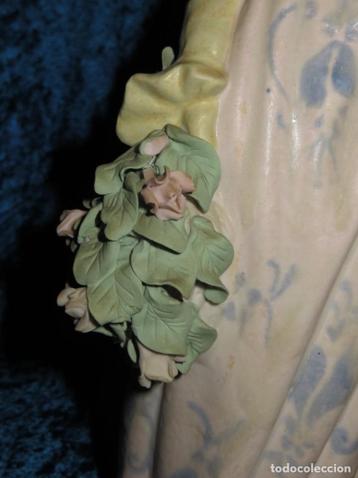 Antigüedades: Antigua figura cerámica Porcelana Artística Levantina mujer flores querubines 35 cm sello circa 1980 - Foto 10 - 254825780