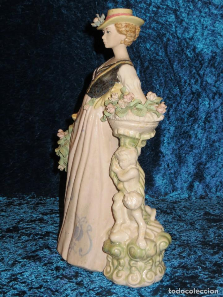 Antigüedades: Antigua figura cerámica Porcelana Artística Levantina mujer flores querubines 35 cm sello circa 1980 - Foto 13 - 254825780